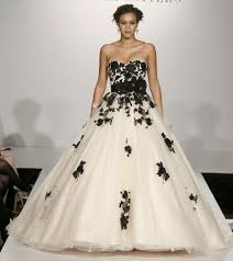 black and white wedding dress look extraordinary with black and white wedding dresses