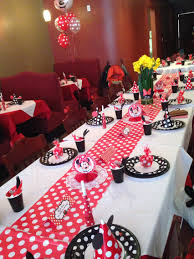 minnie mouse table set this was the table set up for a 1st birthday party theme minnie