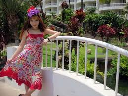 Hawaii travel clothes images Hungry in hawaii maui 39 s food and fashion video huffpost jpg