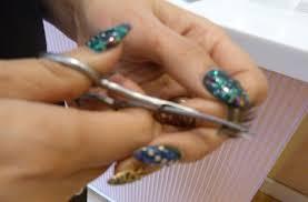 how to apply false eyelashes 3 trim goodtoknow