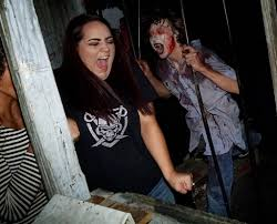 Fright Fest Six Flags Arlington Tx Plan A Night Of Fright At These North Texas Haunted Houses Guidelive