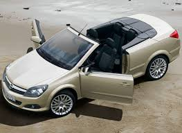 opel russia female cabriolet opel astra twintop