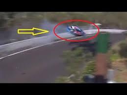 horor car crash bathurst 1000 touring car race in new south wales