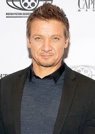 jeremy renner hairstyle jeremy renner height weight body statistics healthy celeb