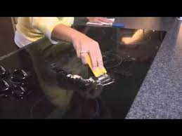 Cleaning Ceramic Glass Cooktop The 25 Best Glass Stove Top Cleaning Ideas On Pinterest