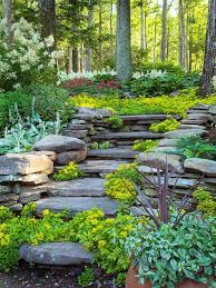 Sloped Backyard Ideas To Decorate A Sloped Yard In The Right Way