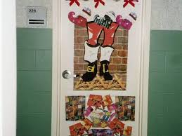 decor 38 doors christmas decorating ideas for your front door