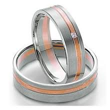 Couple Wedding Rings by Rose Gold Plated Titanium Couple Wedding Rings Weddingbandmart Com