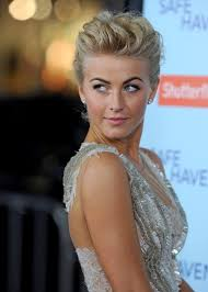 julianne hough hairstyle in safe haven julianne hough photos photos safe haven premiere zimbio