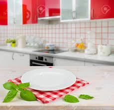 napperon de cuisine plaque blanche sur napperon de table plus moderne fond intérieur de
