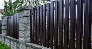 Fence Ideas For Backyard by Design Ideas For Your Fence Front Yard And Backyard Designs