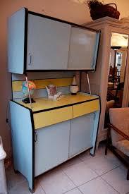 cuisine en formica meuble cuisine 60 armoire buffet formica vert dueau annes