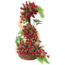 4 feet height arrangement of 300 red roses myflowergift