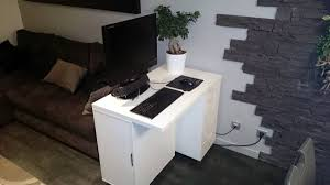 mini bureau ordinateur petit bureau pour ordinateur avec bureau design la s lection des