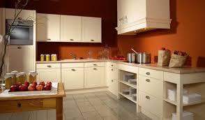 conseil peinture cuisine cuisine contemporaine en couleur de la vanille peinture orange