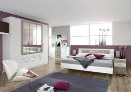 chambre à coucher violet chambre a coucher violet maison design sibfa com