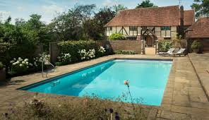 self catering home with swimming pool in chiddingstone kent