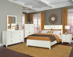 bedroom white bedding with accent pillows what wall color goes
