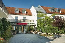 sheraton munich airport hotel restaurant zur schwaige munich arcadia hotel münchen airport tagungshotel flughafen münchen