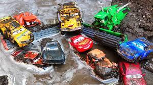 disney cars lightning mcqueen new tipping fun race disney pixar