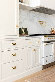 should i put pulls or knobs on kitchen cabinets cabinet hardware how to place your handles according to
