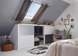 chambre dans les combles des aménagements sous les combles dans votre chambre leroy merlin