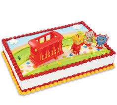 daniel tiger cake daniel tiger s neighborhood cake topper 4 pieces