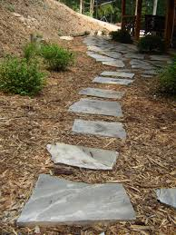Slate Rock Patio by How To Lay A Flagstone Pathway How Tos Diy