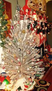 vintage christmas tree aluminum christmas tree vintage pom pom aluminum christmas tree