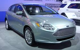 nissan leaf vs ford focus electric ford focus electric