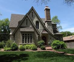 Cottage Style House English Cottage Style Home Love The Roof Lines Ha Reminds Me