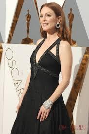 oscars 2016 julianne moore in chanel couture tom lorenzo