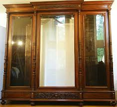 Display Cabinet With Lighting French Antique Display Cabinet With Built In Lighting