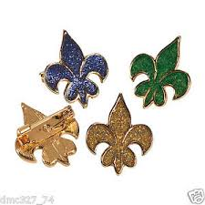mardi gras pins 12 mardi gras tuesday party favors metal glitter fleur de lis