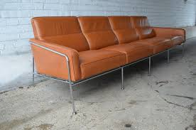 Model  Lufthavnssofa Sofa By Arne Jacobsen For Fritz Hansen - Fritz hansen sofa 2