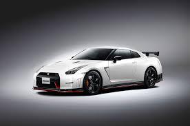 Nissan Gtr Review - 2015 nissan gt r review automobile magazine