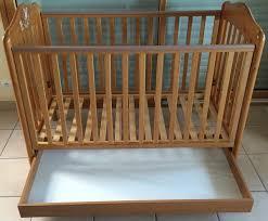 chambre bébé pin massif achetez lit bébé pali pin occasion annonce vente à landaul 56