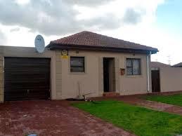 2 Bedroom House For Sale 2 Bedroom House For Sale In Hagley Blue Downs Western Cape