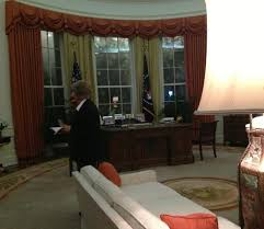 reagan oval office reagan s oval office replica picture of ronald reagan presidential