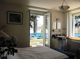 chambre de villa chambres bains villa les bruyères à carnac location bord de mer