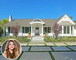 one story mansions selena gomez bought a cute new house in studio city california
