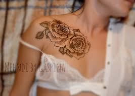 mind blowing black color ink collarbone henna rose tattoos for