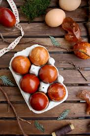 natural egg dye with onion skins 5 ways u2022 happy kitchen rocks