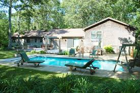 a stunning texas pool cabana landscape and garden design ideas pool house designs waplag ideas architecture naturaal houses with green garden outdoor and simplistic rustic home