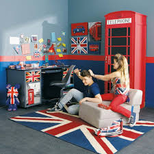 chambre angleterre ado chambre londres avec cabine téléphonique et les drapeaux d