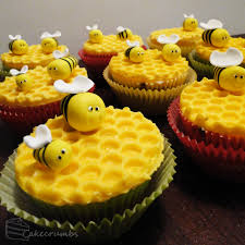 bumble bee cupcakes bakebakebake a baking adventure for all cherry birds and