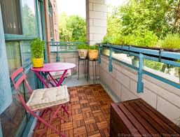 Apartment Patio Decor by Apartment Patio Decor Some Greenery And String Lights Are Things