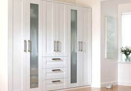 armoire chambre a coucher armoire de chambre e coucher comparatif armoire de rangement chambre
