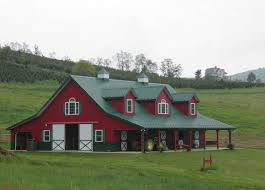 Red Barn Kennel House That Looks Like Red Barn Images At Home In The High