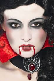 How To Be A Professional Makeup Artist Vampire I Love The Eye Makeup I May Do This Design For Halloween